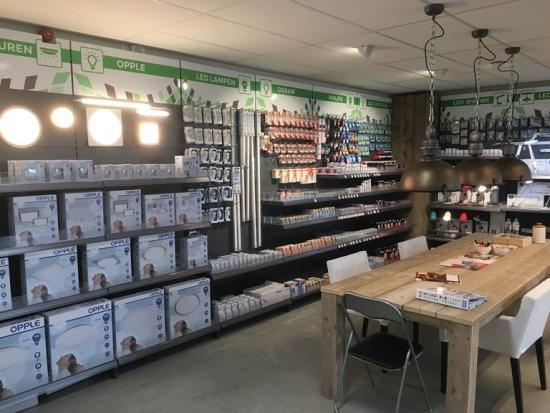 Afbeelding showroom AGK Verlichting 550x413